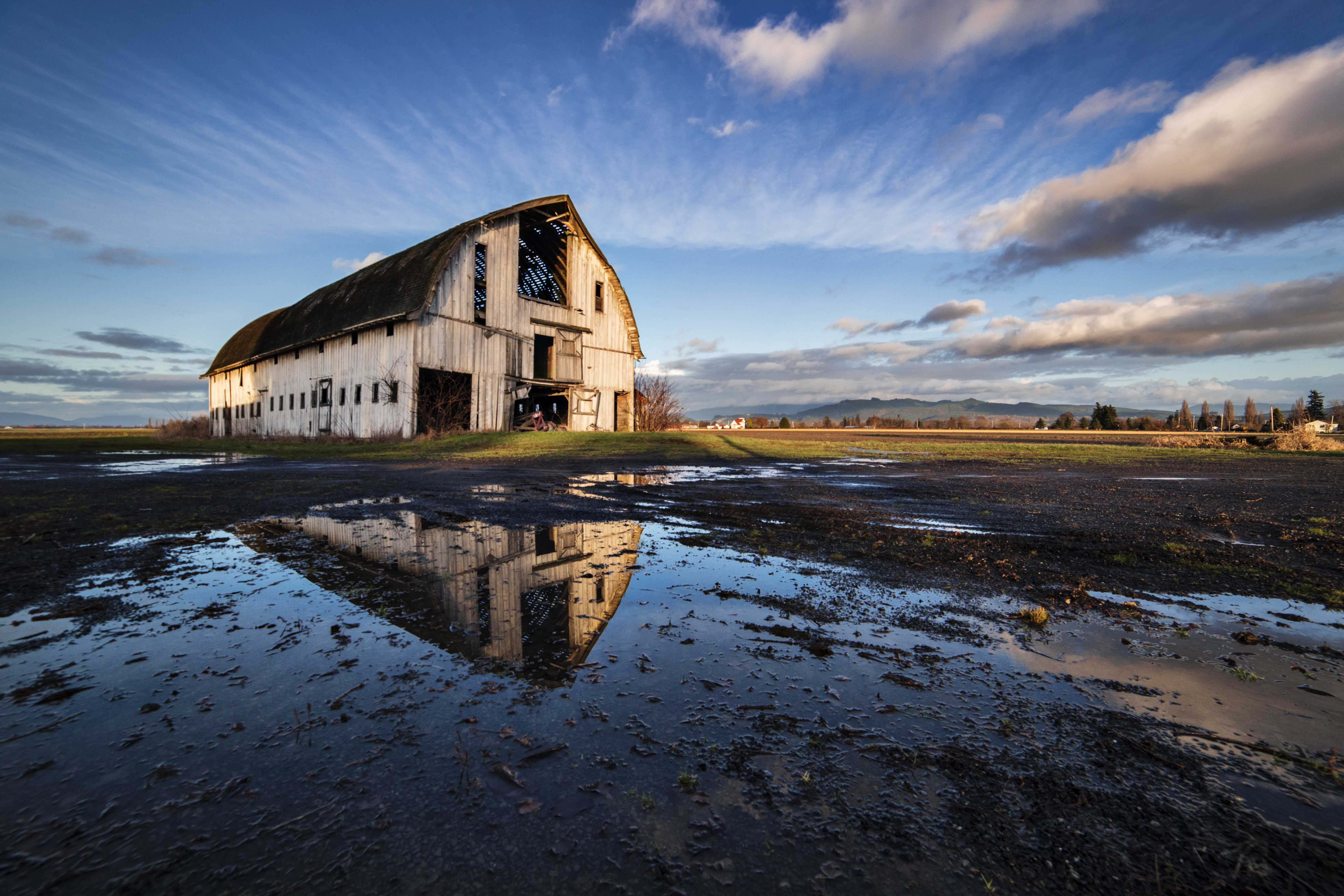 Barn Reflected & Leanne Cole Photography Blog - BLOG MEDIA - Andy Porter Images